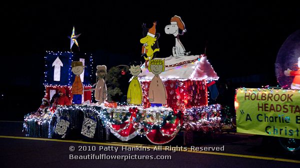 A Charlie Brown Christmas Parade in Holbrook, Arizona :: Beautiful ...