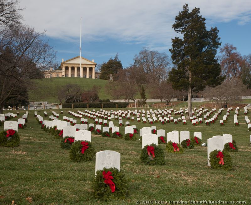 arlington wreath essay 2007 In 2007 wreaths across america was established as a non-profit the organization slowly expanded this year approximately 60 trucks are expected to bring a total of about 150,000 wreaths to arlington anywhere from 30,000- 50,000 volunteers will be ready on the morning of december.