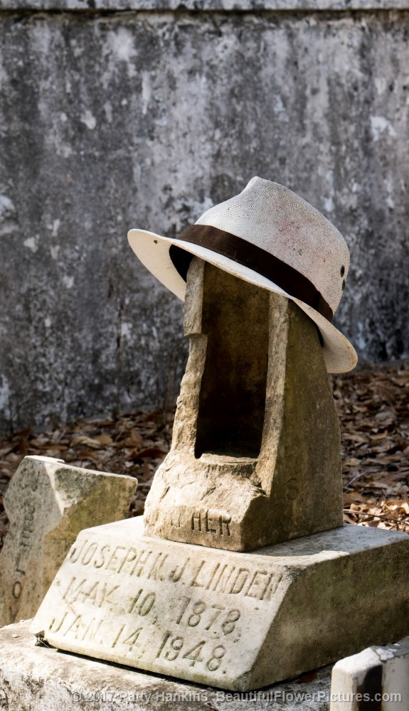 Grave with Hat at Lafayette Cemetery, New Orleans © 2017 Patty Hankins