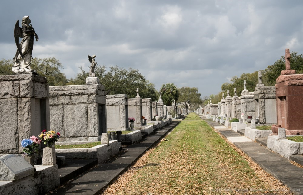 Metarie Cemetery, New Orleans © 2017 Patty Hankins