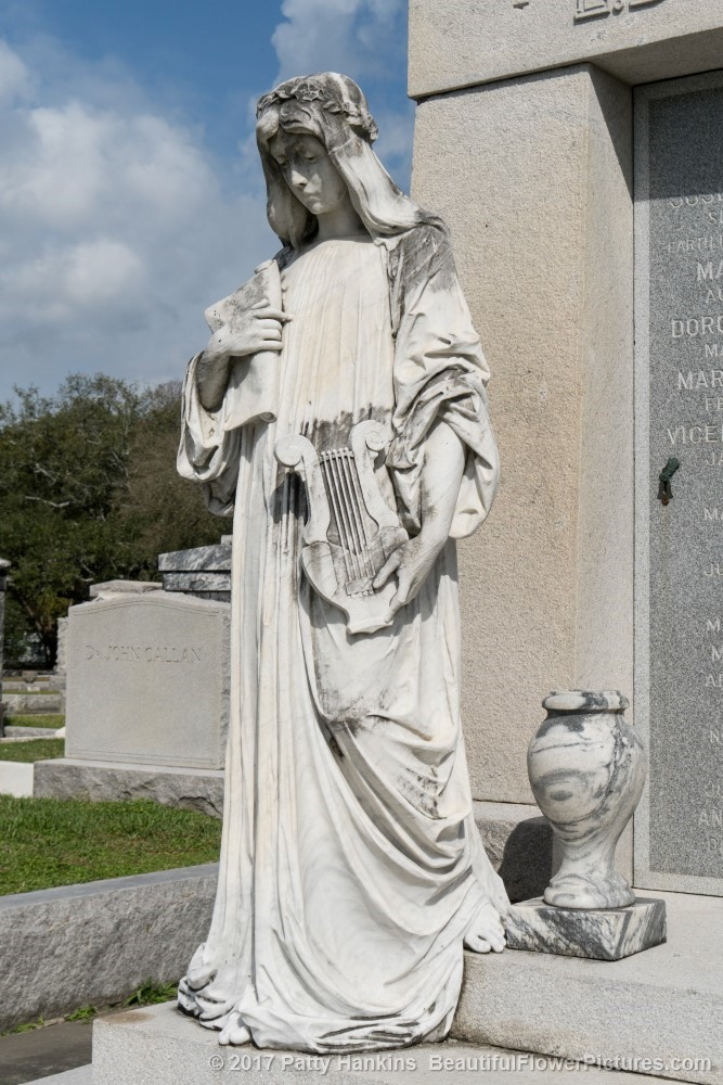 Grave at Metarie Cemetery, New Orleans © 2017 Patty Hankins