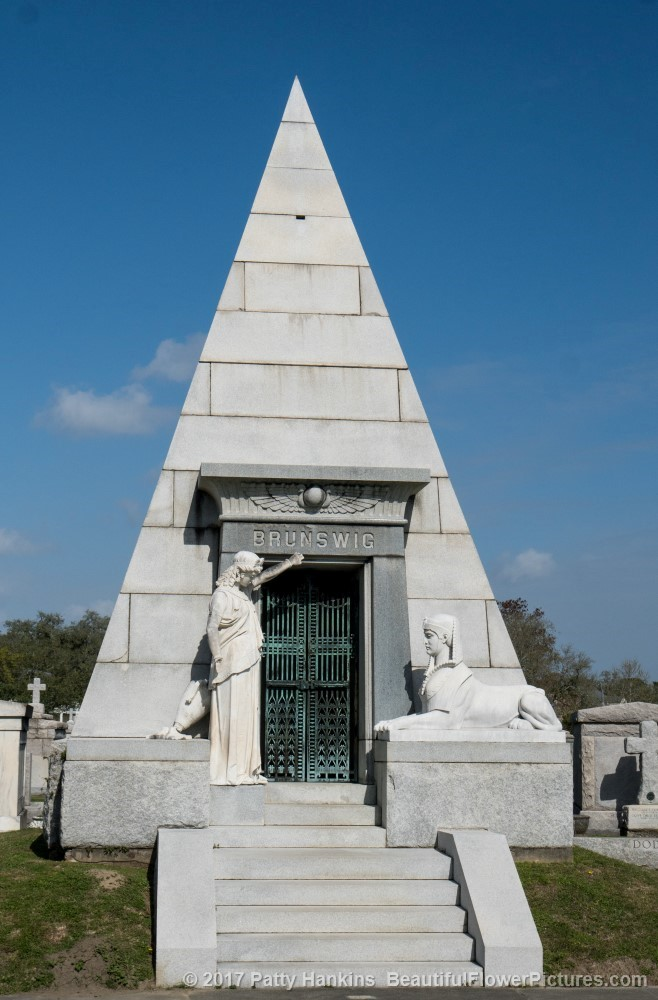 Pyramid Grave at Metarie Cemetery, New Orleans © 2017 Patty Hankins
