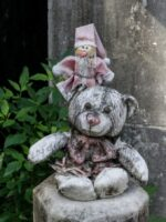 Left at a Grave in Lafayette Cemetery, New Orleans © 2017 Patty Hankins